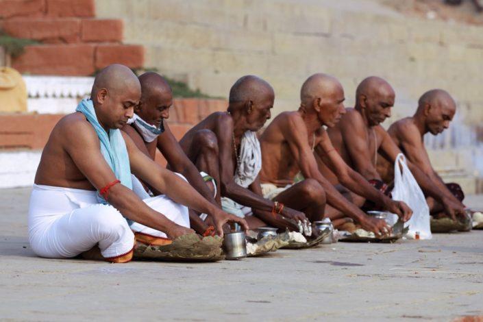 Brabini in preghiera