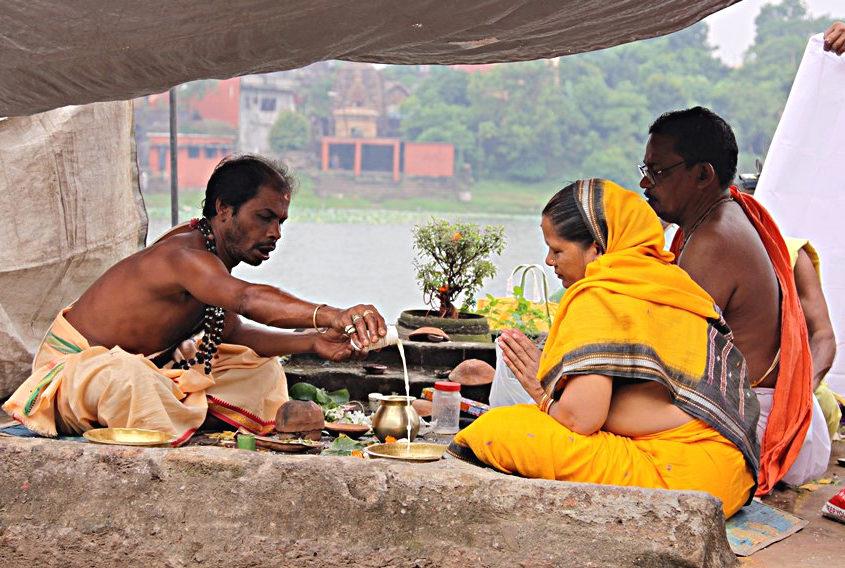 Puja pratica fondamentale induista