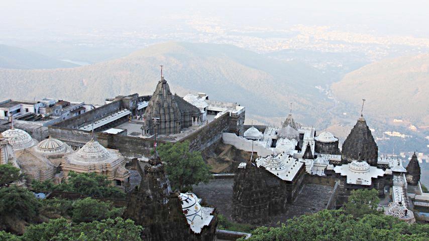 scalini di Girnar Hill