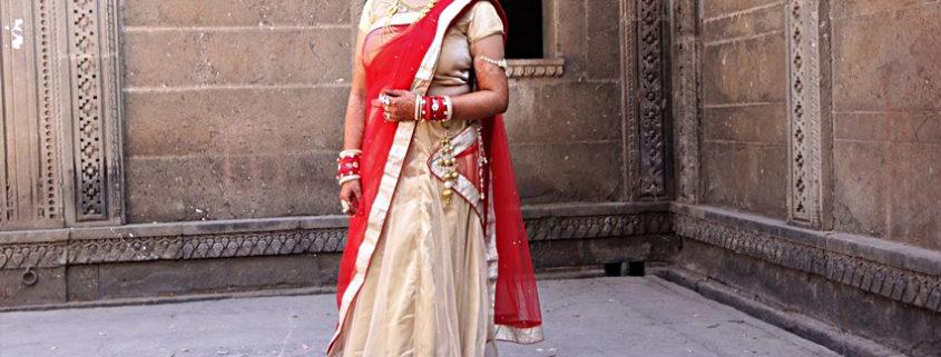 Sari l'abito tradizionale delle donne indiane