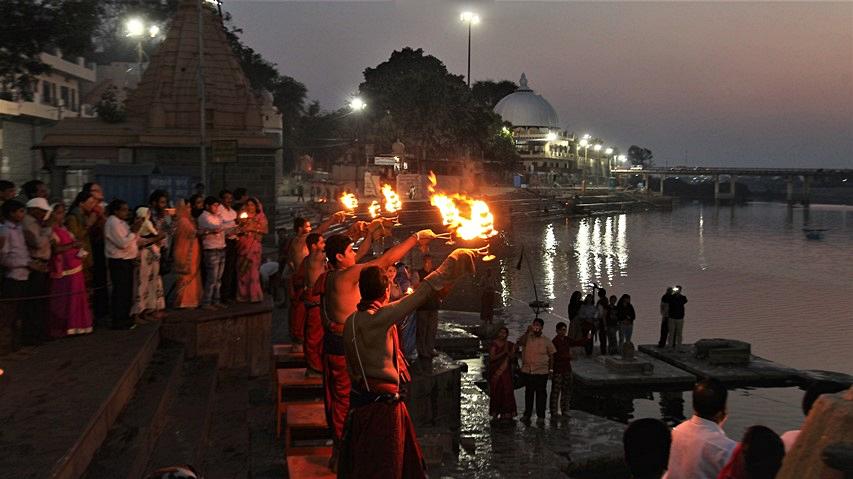 aarti rituale devozionale
